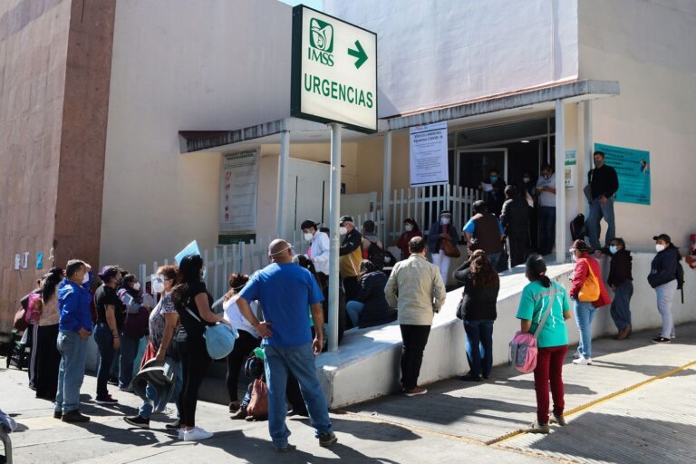 47% of critical medicines and medical equipment for Mexico have not yet been awarded